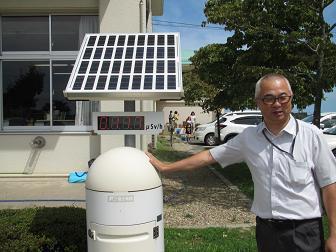 27新地小学校放射能測定器.jpg